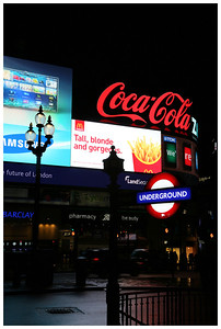 picadilly circus at night