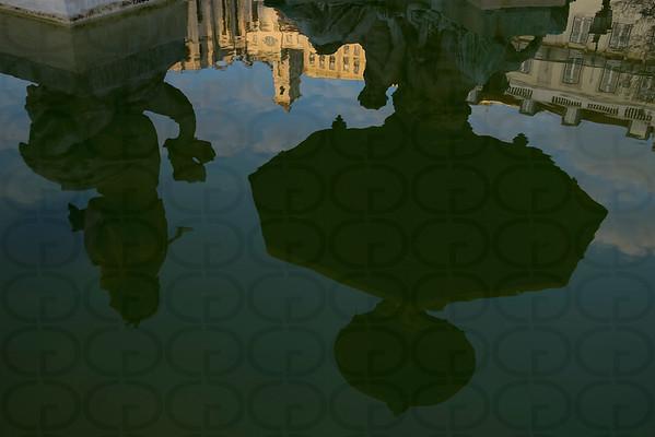 Convento do Carmo, Reflected