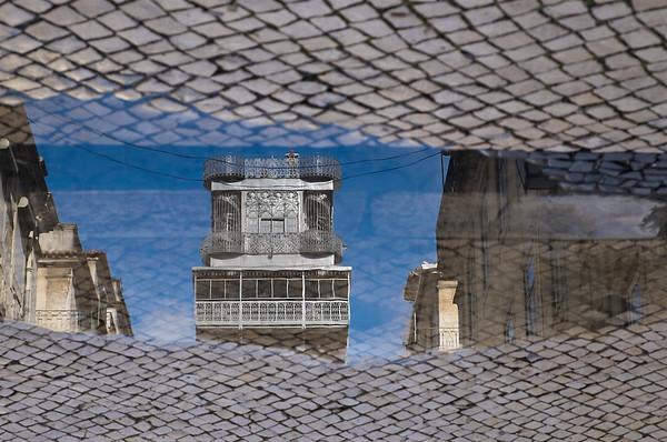 Santa Justa Lift, Reflected