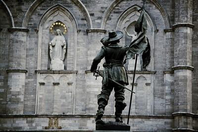 Notre-Dame Basilica and statue of Paul de Chomedey, Sieur de Maisonneuve, Montréal