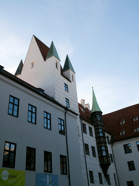 "Alter Hof, ""historical nucleus"", Munich<br /> <br /> Olympus E-600 & Zuiko 12-60/2.8-4.0"