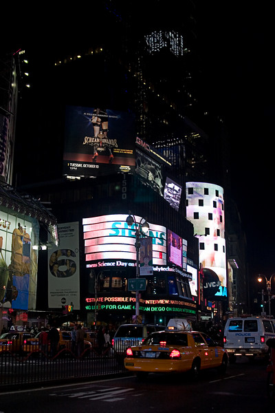 <center>Big Screen TVs the Size of Buildings  <br><br>New York, NY</center>