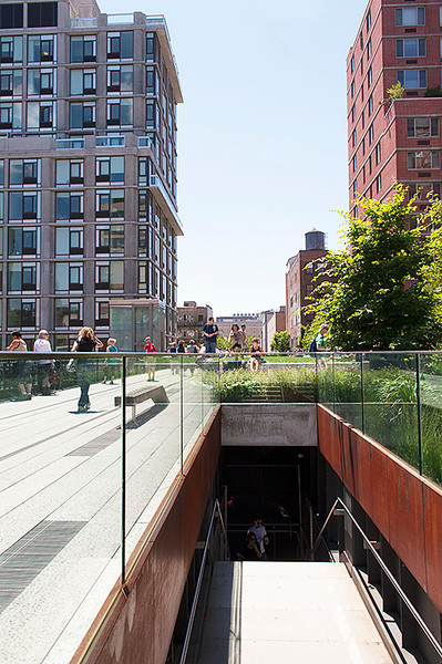 The High Line at the 23rd Street entrance/exit (stairway and elevator)
