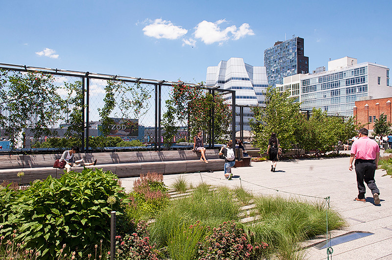 The High Line 17th Street garden and rest area with the IAC Headquarters in the background