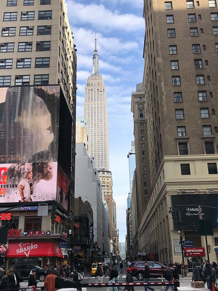 Empire State Building from the junction of 7th Avenue & West 33rd Street.