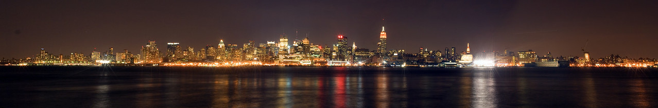 Manhattan panorama from Hoboken, Oct 2007.
