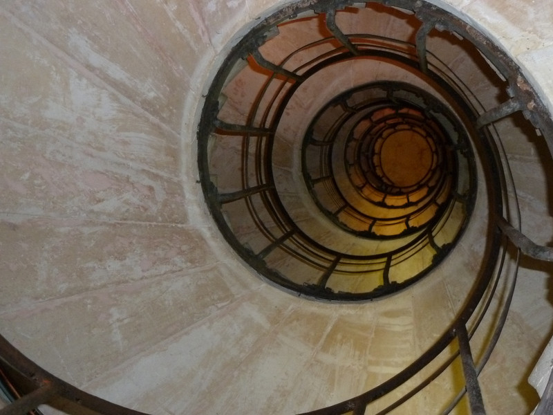 Arch de Triumph staircase
