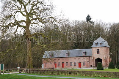 This building is part of the Rumbeke Castle. It dates back from the 16th Century and can be found  within the Sterrebos Park near Roeselare, Belgium.
