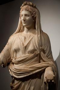 Statue of a priestess (Pompeii, macellum, Neronian period?, Museo Nazionale, Napoli)