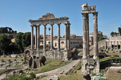 Foro Romano, Tempio di Saturno (left) and tempio di Vespasiano (three columns on right side)
