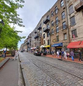 Sights and Scenes: Savannah's River Street