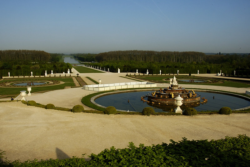Chateau Versailles Gardens May 06 30