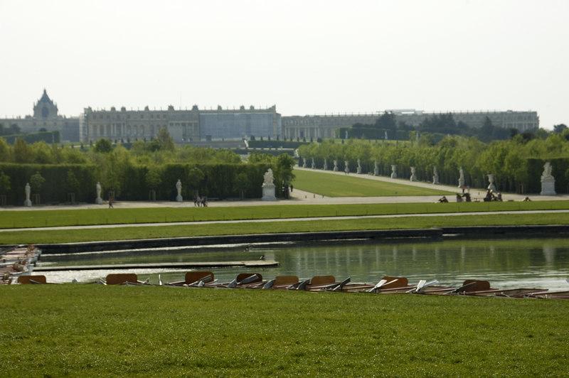 Chateau Versailles Gardens May 06 45