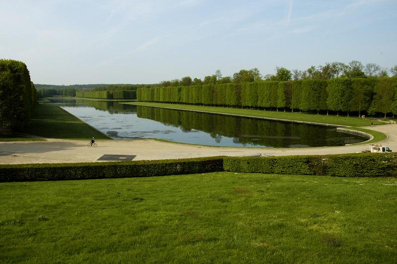 Chateau Versailles Gardens May 06 42