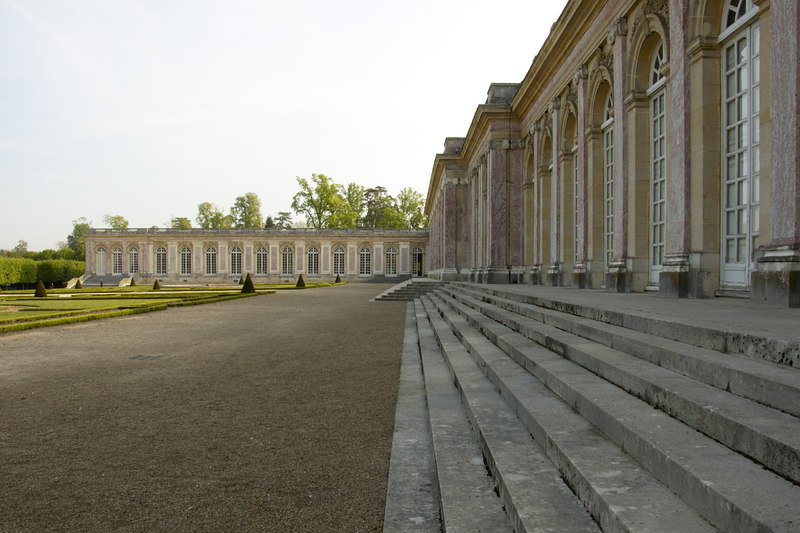 Chateau Versailles Gardens May 06 34