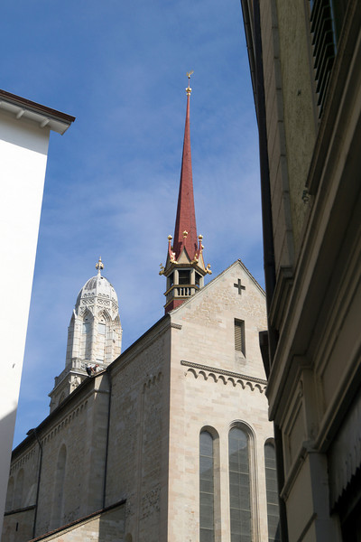 Grossmünster, Zurich<br /> Olympus E-420 / 12-60mm 2.8-4.0