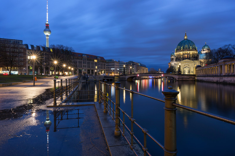 Cityscape of downtown Berlin at dusk