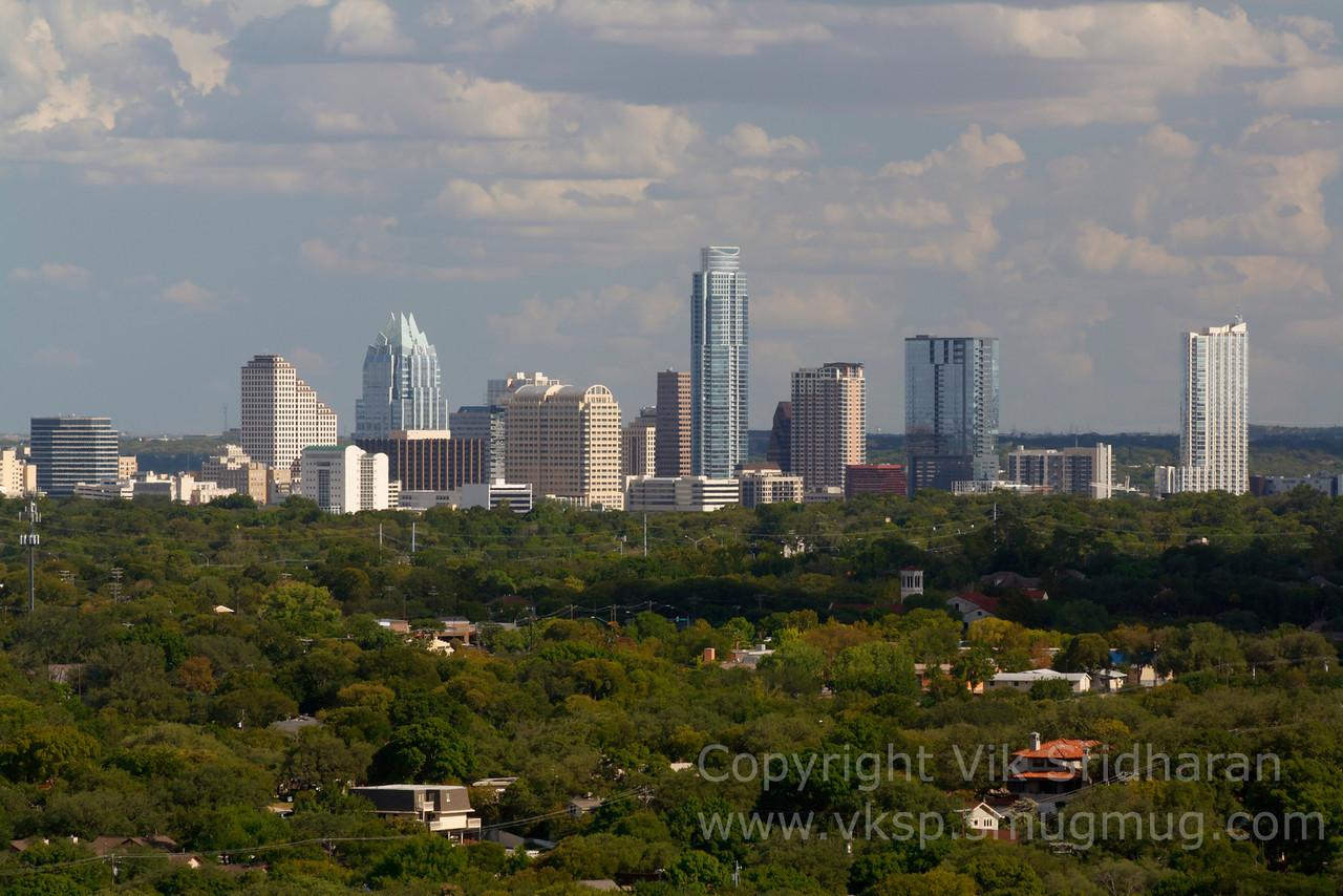 http://www.vksphoto.com/CitiesBuildingsetc/Austin-Texas-July-2011/i-QhjjSph/0/X2/IMG_6035CS5%208-13-11-X2.jpg