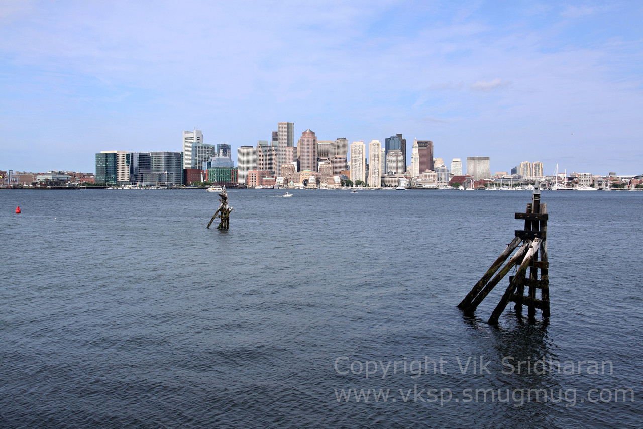 http://www.vksphoto.com/CitiesBuildingsetc/Boston-at-Night/i-rSLt4QR/1/X2/IMG_1639-X2.jpg