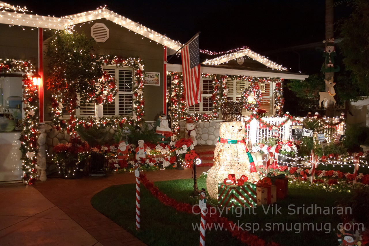 http://www.vksphoto.com/CitiesBuildingsetc/Christmas-Lights-in-Torrance12/i-cc4bpRx/0/X2/IMG_0953CS5%2012-21-12-X2.jpg