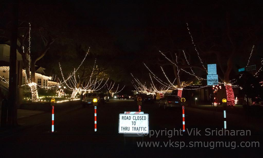 http://www.vksphoto.com/CitiesBuildingsetc/Christmas-Lights-in-Torrance12/i-fZ5pXJD/0/XL/IMG_1061CS5%2012-21-12-XL.jpg