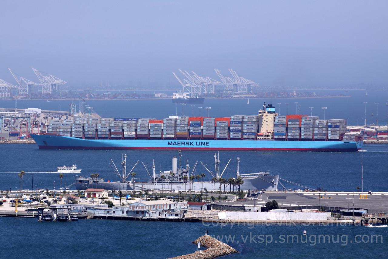 http://www.vksphoto.com/CitiesBuildingsetc/Port-Traffic/i-65j2TLW/0/X2/IMG_6870-X2.jpg