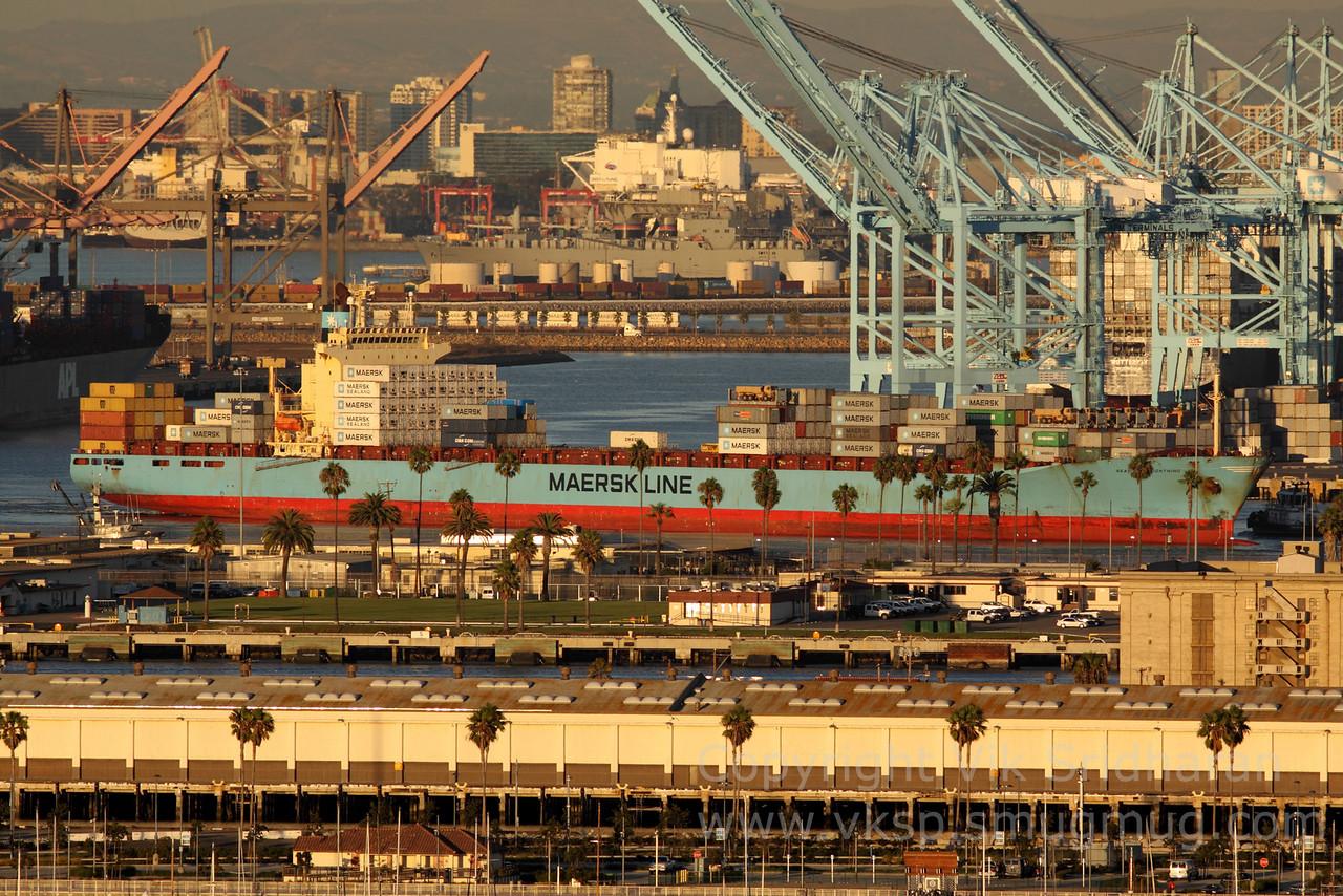 http://www.vksphoto.com/CitiesBuildingsetc/Port-Traffic/i-Jm6FxTs/0/X2/IMG_4565-X2.jpg
