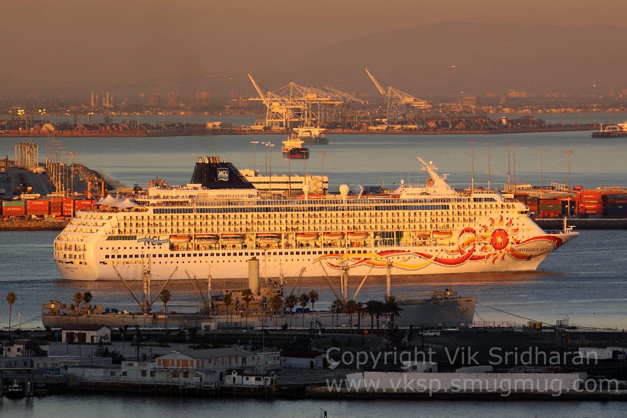 http://www.vksphoto.com/CitiesBuildingsetc/Port-Traffic/i-jqkkzSm/0/X2/IMG_4469-X2.jpg