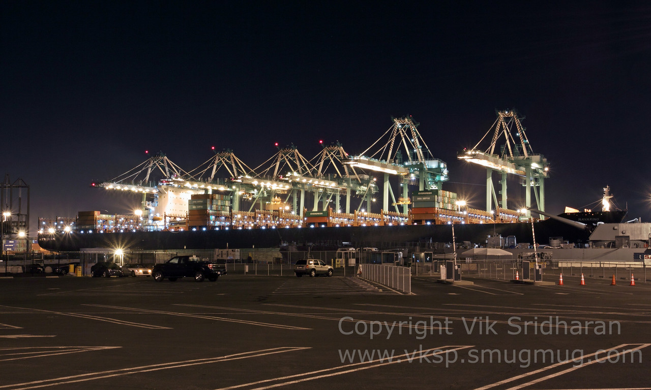 http://www.vksphoto.com/CitiesBuildingsetc/San-Pedro-at-Night/i-HXqXwDJ/0/X2/IMG_9398-X2.jpg