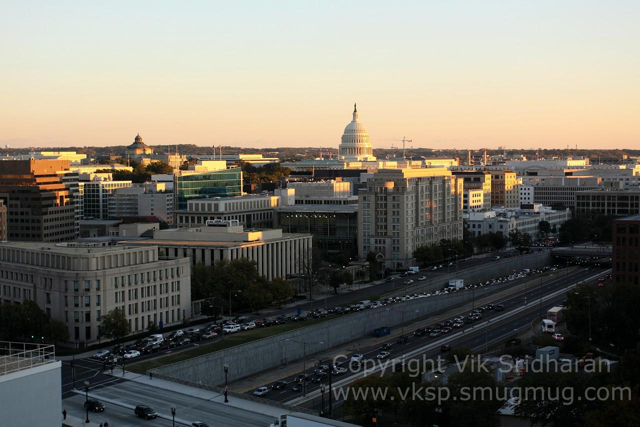 http://www.vksphoto.com/CitiesBuildingsetc/Washington-DC-October-2013/i-b9C9TZ6/0/X2/IMG_6034-X2.jpg
