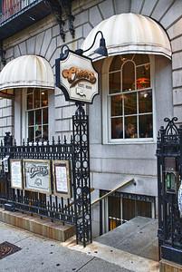 """The Bull & Finch Pub - aka -""""Cheers"""""""