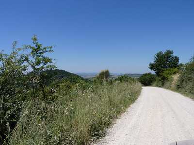 On the road to nowhere?  No, la strada, in parte bianca, per Montichiello