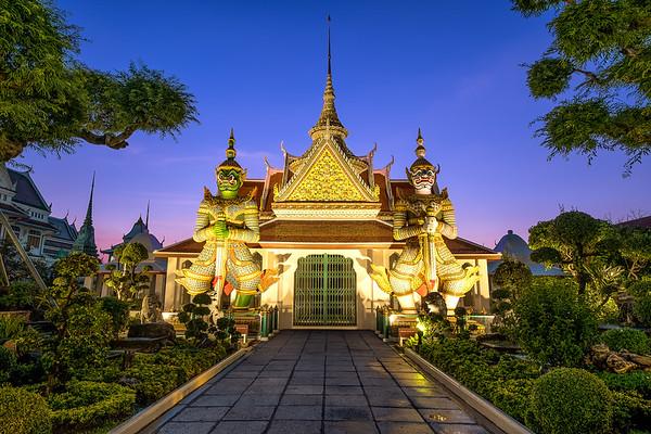 Guardians at the Gate Wat Arun