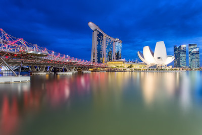 Helix Bridge with the amazing Marina Bay Sands