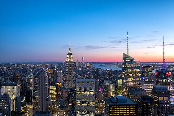 Twilight over the stunning Skyline of New York