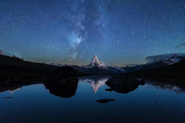 Milkyway over Mt. Matterhorn