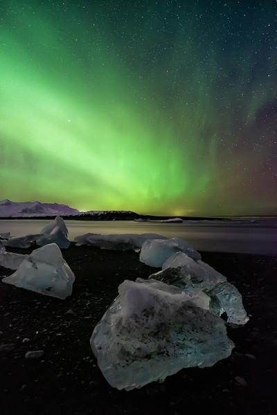 Diamond Beach under the Northern Lights