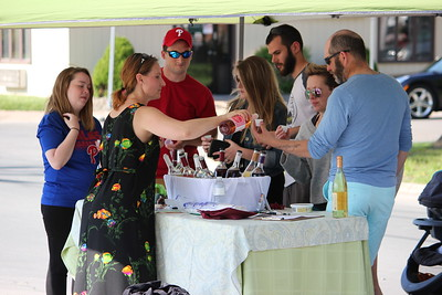 Charles Pritchard - Oneida Daily Dispatch Local Oneida residents check out vendors and more at Oneida City Center Committee's City Center Market in downtown Oneida on Thursday, May 24, 2018.