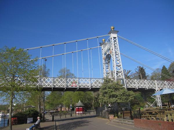 Queens Park Bridge: The Groves