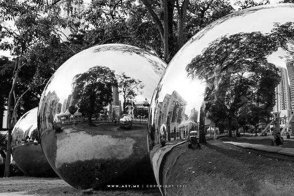 Mirror Balls, Singapore