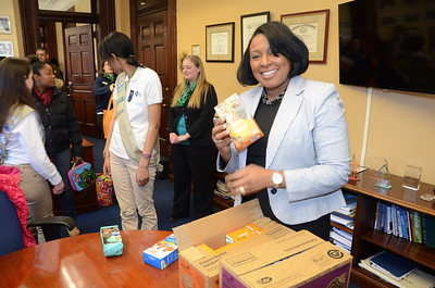 Girl Scouts Visit Mayor  Warren 3/6/2014