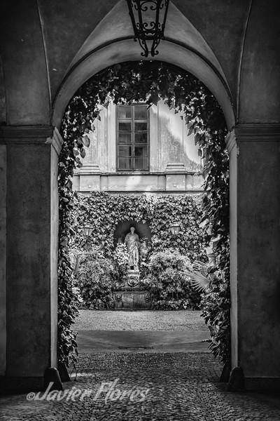 Black and White image of Roman Patio