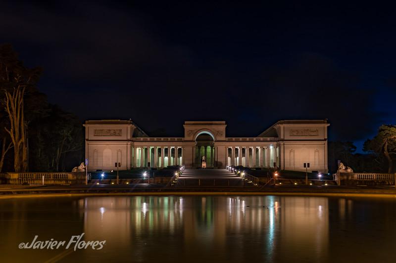 Legion Of Honor Museum at night.