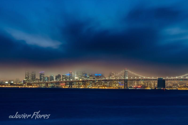 San Francisco skyline with foggy sky