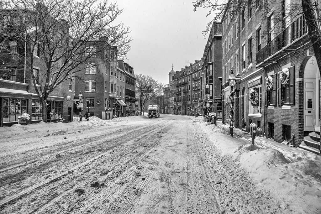 IMAGE: http://harm.smugmug.com/City-Life/Boston/i-LcGb3xw/0/XL/880A3307-Edit-XL.jpg
