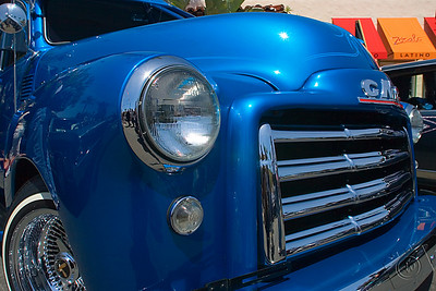 Another view of Ray Ulloa's 1953 Suburban