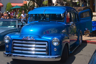 1953 GMC Suburban owned by Ray Ulloa of the AmigoS® Car Club