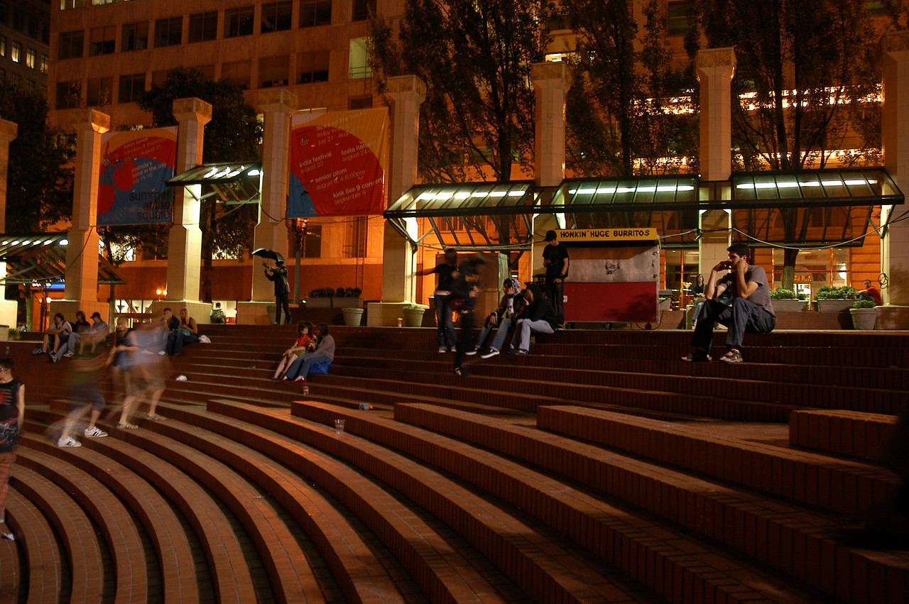 Pioneer Courthouse SQ - Chillin'