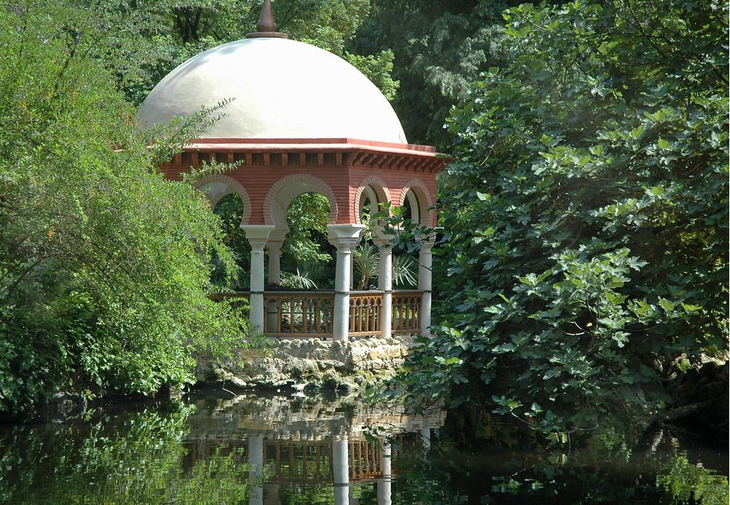 Gazebo, Maria Louisa Park, Seville, Spain