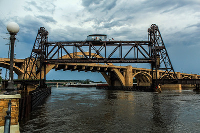 Railroad bridge across the Mississippi River in St. Paul, MN